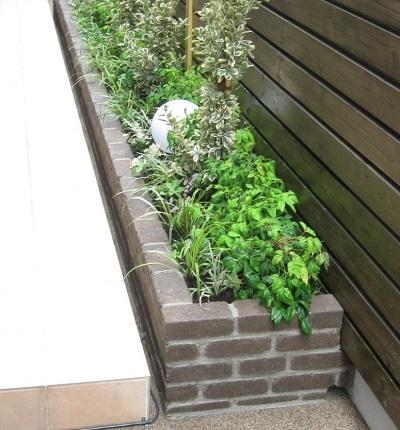 人工地盤緑化